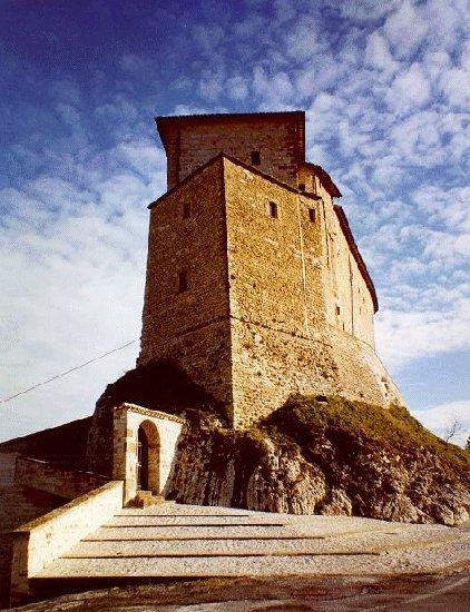 Gruppo marche portfolio for Castello di frontone